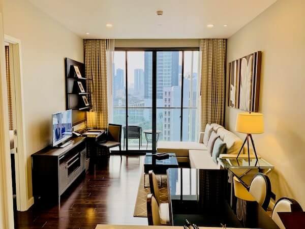 137 ピラーズ レジデンシズ バンコク(137 Pillars Residences Bangkok)のリビングルーム