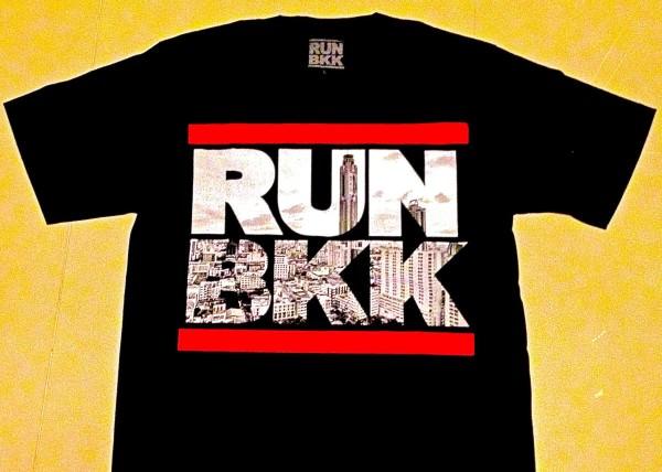 RUNBKKのTシャツ