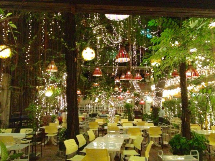 バンコクでおすすめの面白いレストラン。キャベジズ アンド コンドームズ。