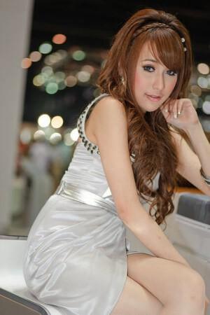 可愛い色白のタイ人女性