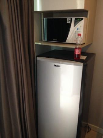 アットマインドエグゼクティブスイート。室内の冷蔵庫