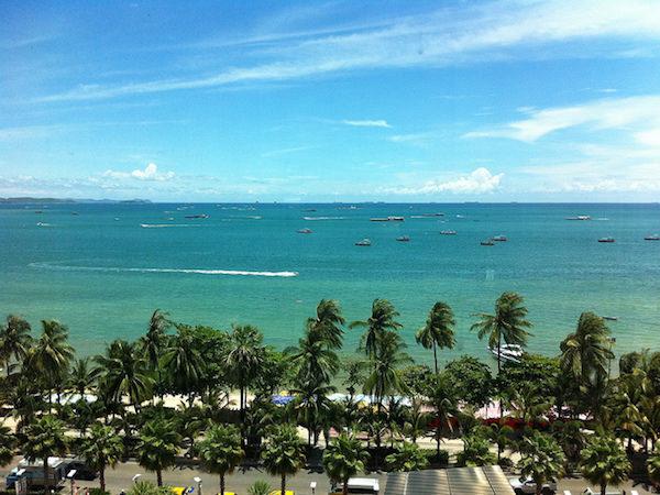 パタヤでカップルに人気の宿泊先4軒を紹介。リゾート地でロマンティックな雰囲気を楽しもう。