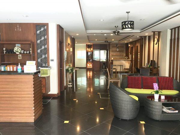H ブティック ホテル パタヤ (H Boutique Hotel Pattaya)のエントランス