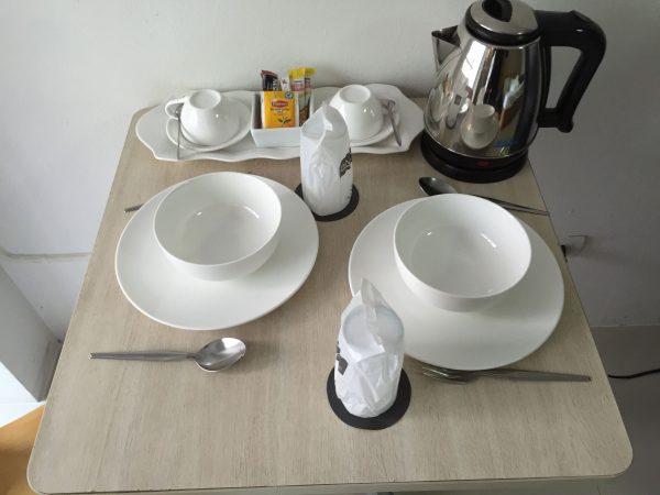 クロントンマンション 食器