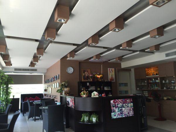 クロントンマンション レストラン