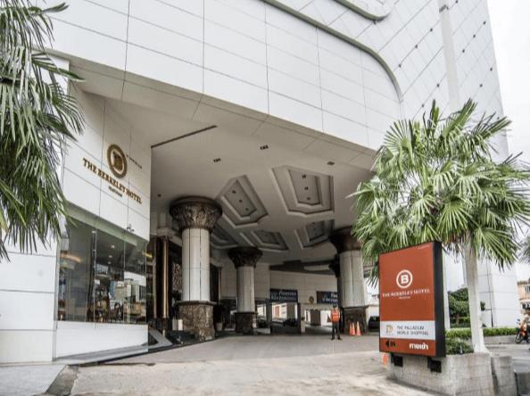 ザ バークレイ ホテル プラトゥーナム(The Berkeley Hotel Pratunam)の入り口