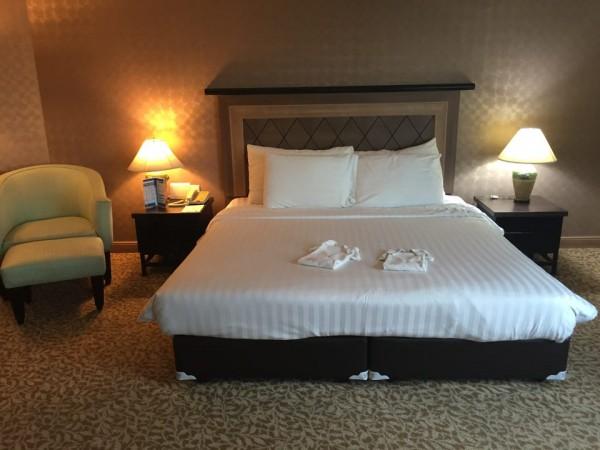 バイヨークスカイホテル。客室のベッド