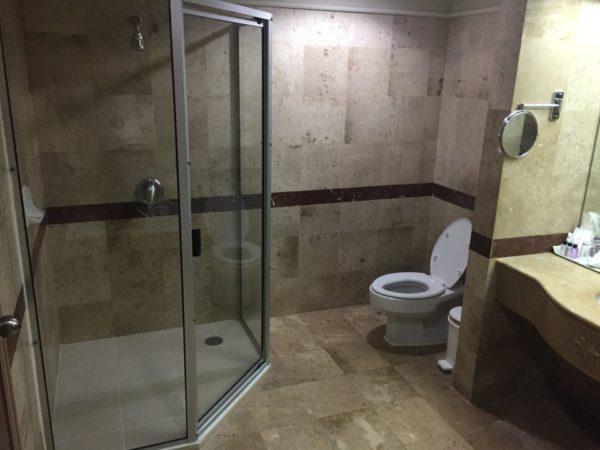 バイヨーク スカイ ホテル(Baiyoke Sky Hotel)のバスルーム