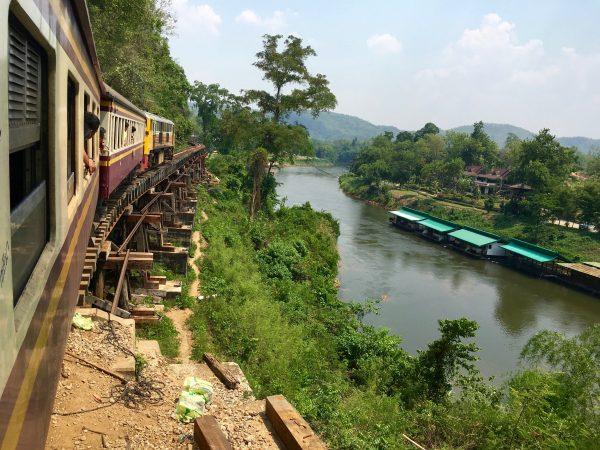 カンチャナブリ 列車