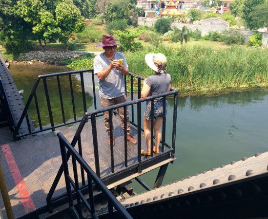 戦場にかける橋 観光客