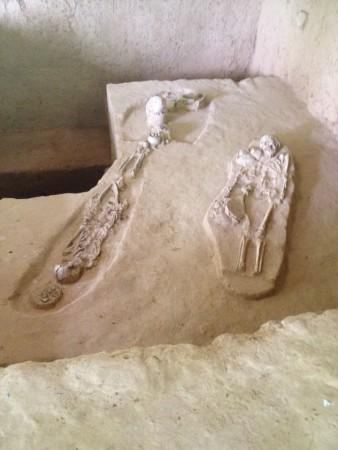 ムアンシン歴史公園の白骨