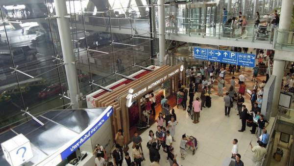 スワンナプーム国際空港内の通路