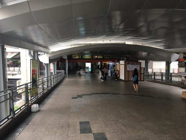 BTS パヤー・タイへ続く連絡通路