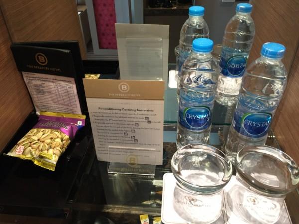 バークレイホテル。無料の水