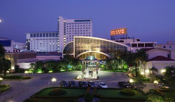 holiday_palace_casino_resort01
