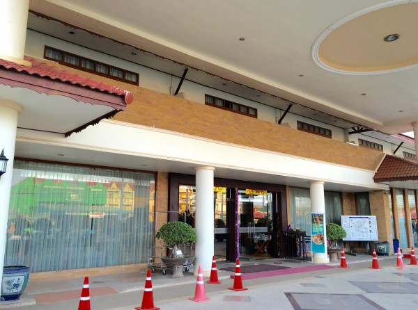 インドシナホテルの入り口