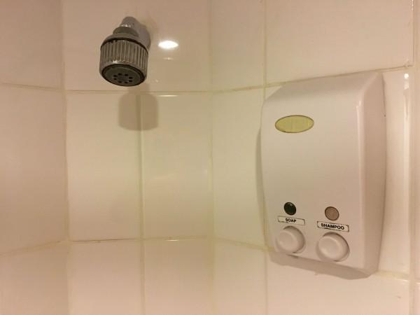 ステーションワンホテルのシャワー