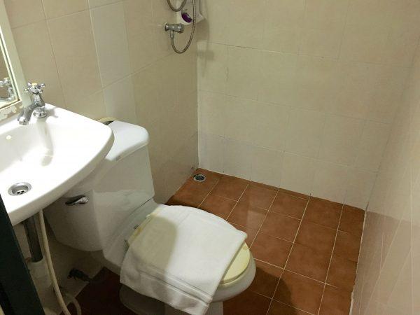 サワディーゲストハウス シャワールーム