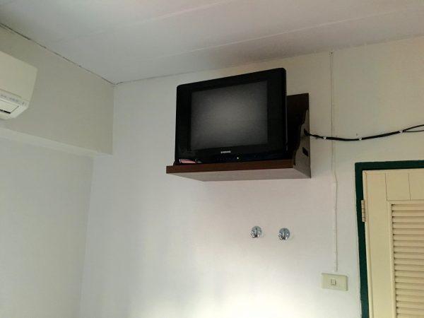 サワディーゲストハウスのテレビ
