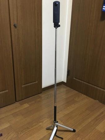 ミニ三脚と自撮り棒の組み合わせ