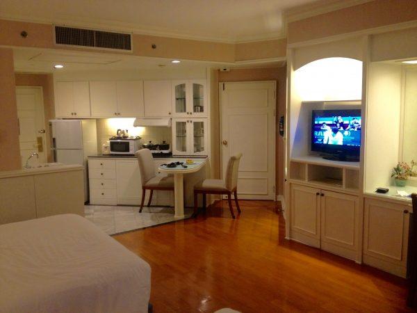 センターポイントプラトゥーナムホテル 客室内