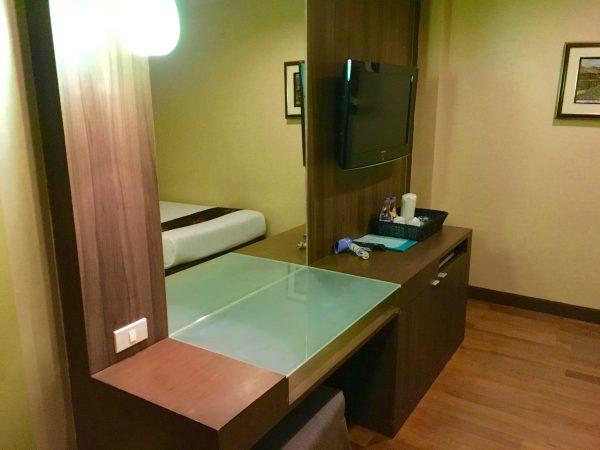 ディババリーホテル 作業机