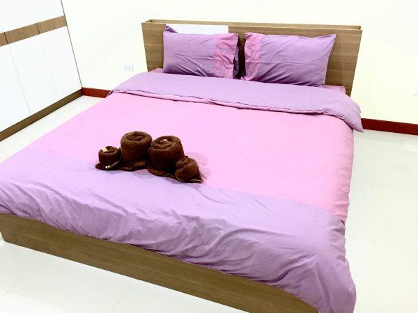 P アンド P プレイス アパートメント カンチャナブリー (P and P Place Apartment Kanchanaburi)のベッド