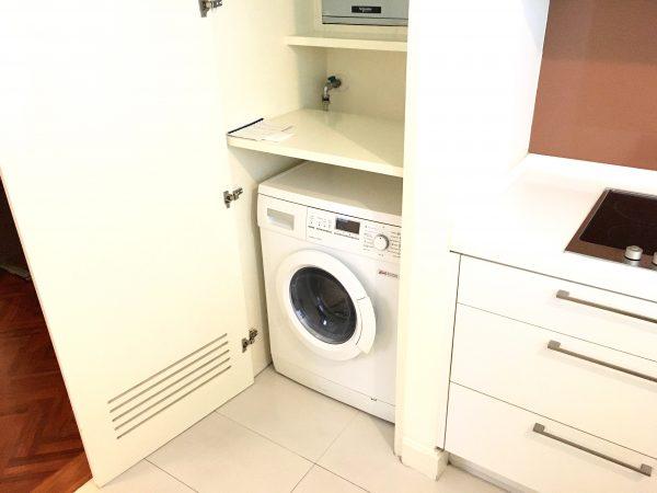 パチャラ スイーツ スクンビット (Phachara Suites Sukhumvit)のドラム式洗濯機