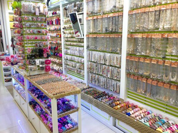 プラチナムファッションモール アクセサリーの店