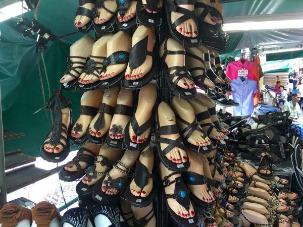 プラトゥーナム 女性用サンダル