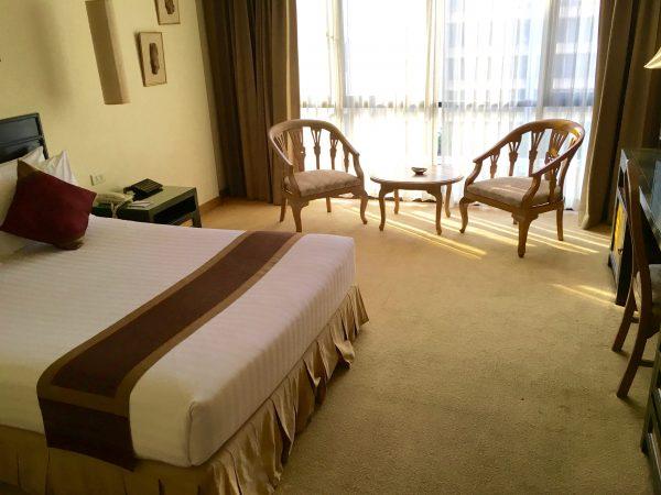 タンタワンプレイスホテルの部屋1