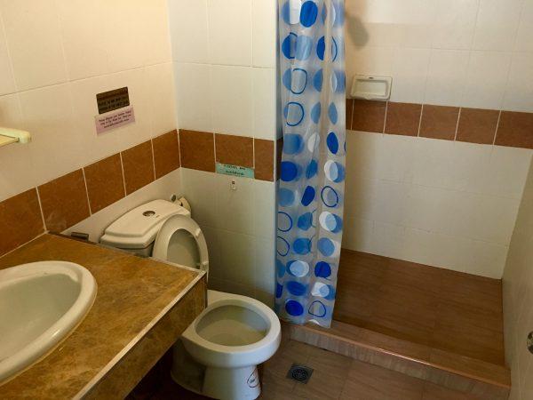 ペンギンゲストハウス シャワールーム