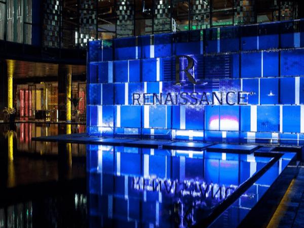 ルネッサンス バンコク ラッチャプラソーン ホテル 玄関