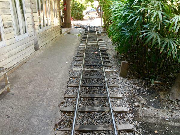 サンパンナム水上マーケット 鉄道