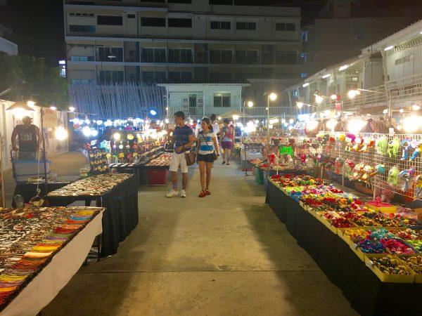 Chatsilaナイトマーケット