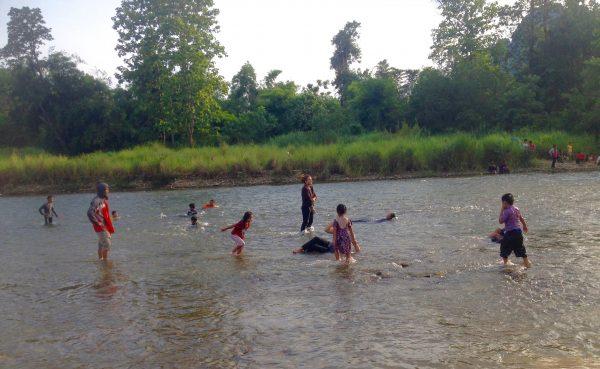 ラオス 川