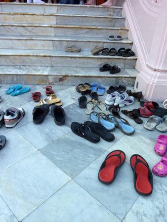 お寺の靴箱