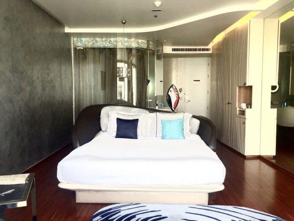 バラクーダ パタヤ Mギャラリー バイ ソフィテル (BARAQUDA PATTAYA – MGALLERY BY SOFITEL)の客室1