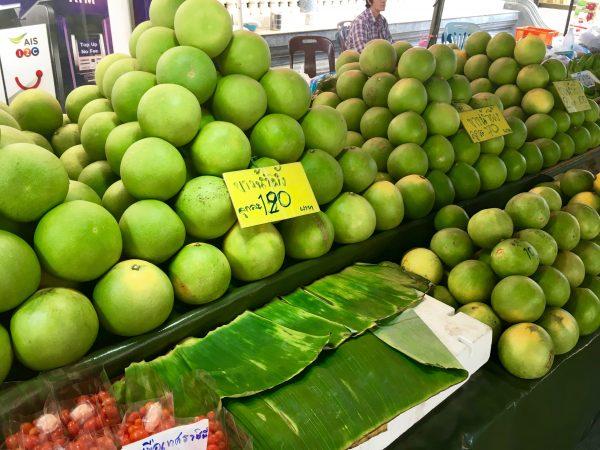 ドンワイ水上マーケットの果物