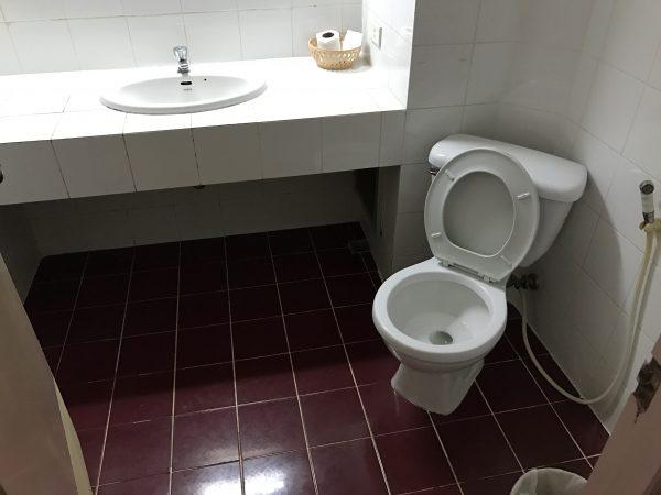 ドリーム ホテル パタヤ (Dream Hotel Pattaya)のシャワールーム1