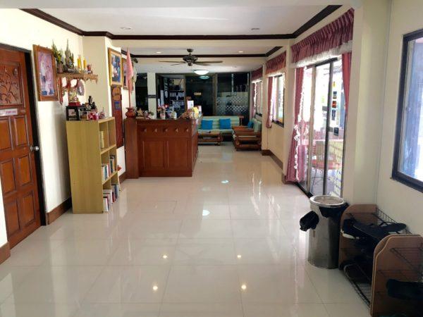 ティプライ ビーチ ホテル アネックス (Thipurai Beach Hotel Annex)のエントランス