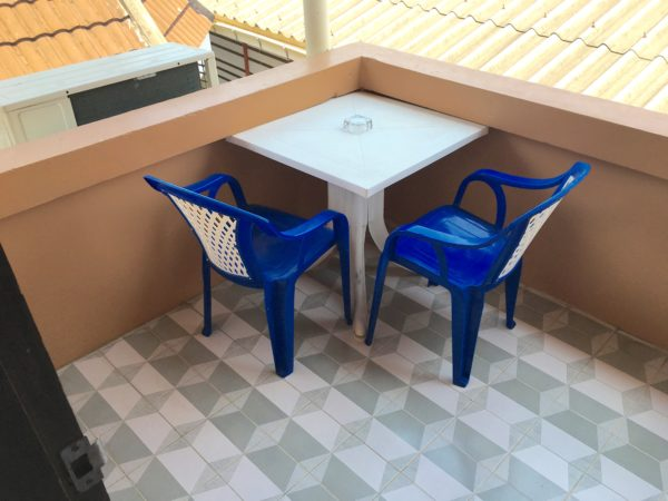 ティプライ ビーチ ホテル アネックス (Thipurai Beach Hotel Annex)の客室バルコニー