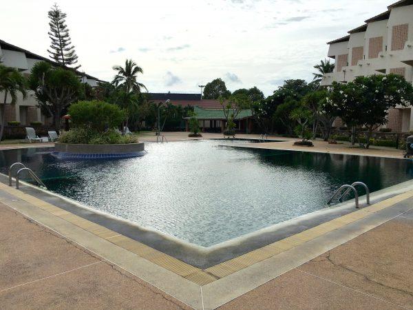 トロピカーナホテル プール