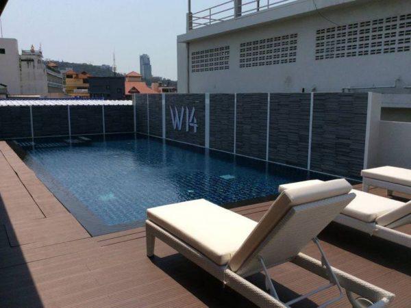 W 14 ホテル (W 14 Hotel)のプール