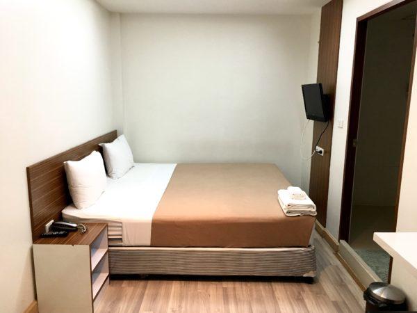 ホワイト ハウス アソーク スクンビット 18の客室1
