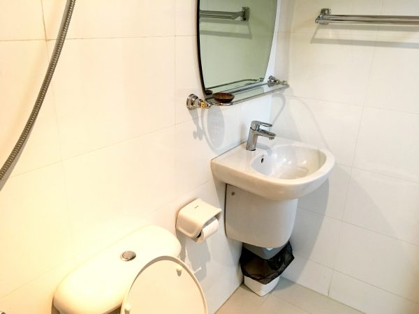 ホワイト ハウス アソーク スクンビット 18のシャワールーム1