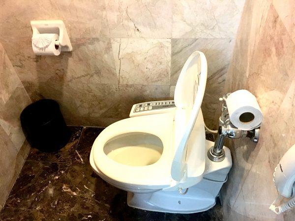 バンコク ホテル ロータス スクンビット マネージド バイ アコール (Bangkok Hotel Lotus Sukhumvit – Managed by Accor)のトイレ