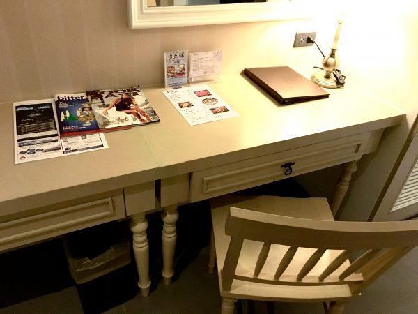 スーペリアルーム (Superior Room)の作業机