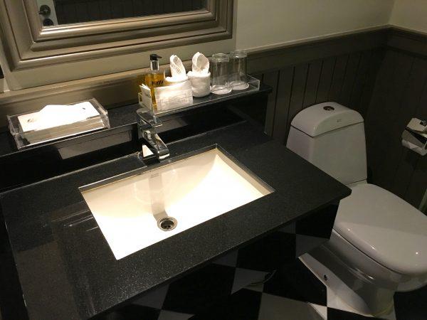 ザ ラヤ スラウォンホテル シャワールーム2