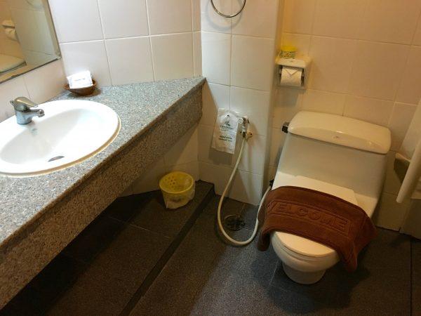 アユタヤ ホテル シャワールーム1